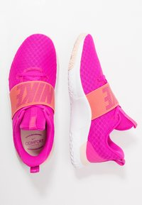Nike Performance - RENEW IN-SEASON TR 9 - Sportschoenen - fire pink/magic ember/washed coral/white - 1