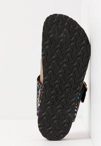 Birkenstock - GIZEH - Sandály s odděleným palcem - black - 5