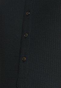 MAMALICIOUS - MLFIA LIA - T-shirts - black - 2