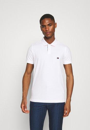 CONTRAST PLACKET SLIM  - Polo shirt - white