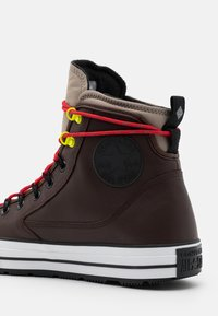 Converse - CHUCK TAYLOR ALL STAR UNISEX - Zapatillas altas - dark root/malted/university red - 5