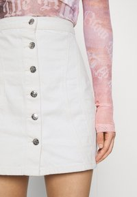 ONLY - ONLRUBY LIFE PANEL - Mini skirt - ecru - 6