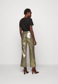M Missoni - PANTALONE - Trousers - silver - 2