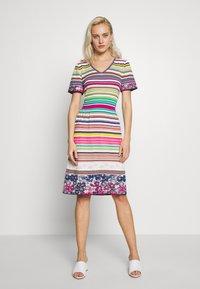 Ivko - STRIPED DRESS - Strikket kjole - white - 0