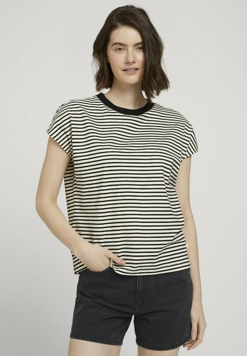 TOM TAILOR DENIM - WITH CONTRAST NECK - Print T-shirt - white