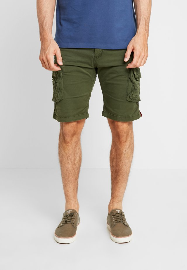 CREW - Shorts - dark oliv