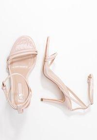 Miss Selfridge - SECRET SKINNY STRAPPY - Sandaler med høye hæler - nude - 3