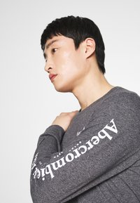 Abercrombie & Fitch - Long sleeved top - black - 3