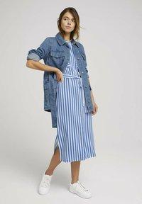 TOM TAILOR DENIM - Shirt dress - mid blue white stripe - 1