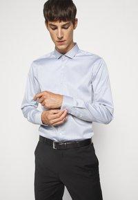 HUGO - ERONDO - Formal shirt - dark grey - 0