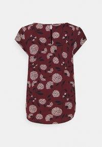 ONLY - ONLNOVA LUX - Camiseta estampada - port royale/white - 1