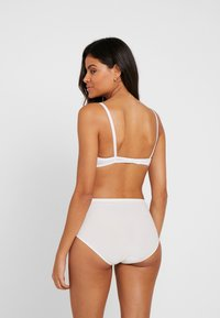 Fantasie - SMOOTHEASE INVISIBLE STRETCH FULL BRIEF - Intimo modellante - ivory - 2