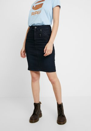 LYNN BIKER SLIM - Pencil skirt - worn in tidal cobler