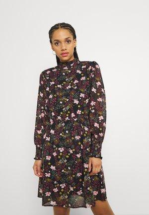 ONLSTAR HIGHNECK SMOCK DRESS - Vapaa-ajan mekko - black/pink