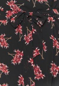 Missguided Plus - DITSY WRAP OVER DRESS - Vestido informal - black - 2