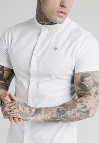 SIKSILK - STANDARD COLLAR SHIRT - Shirt - white - 4