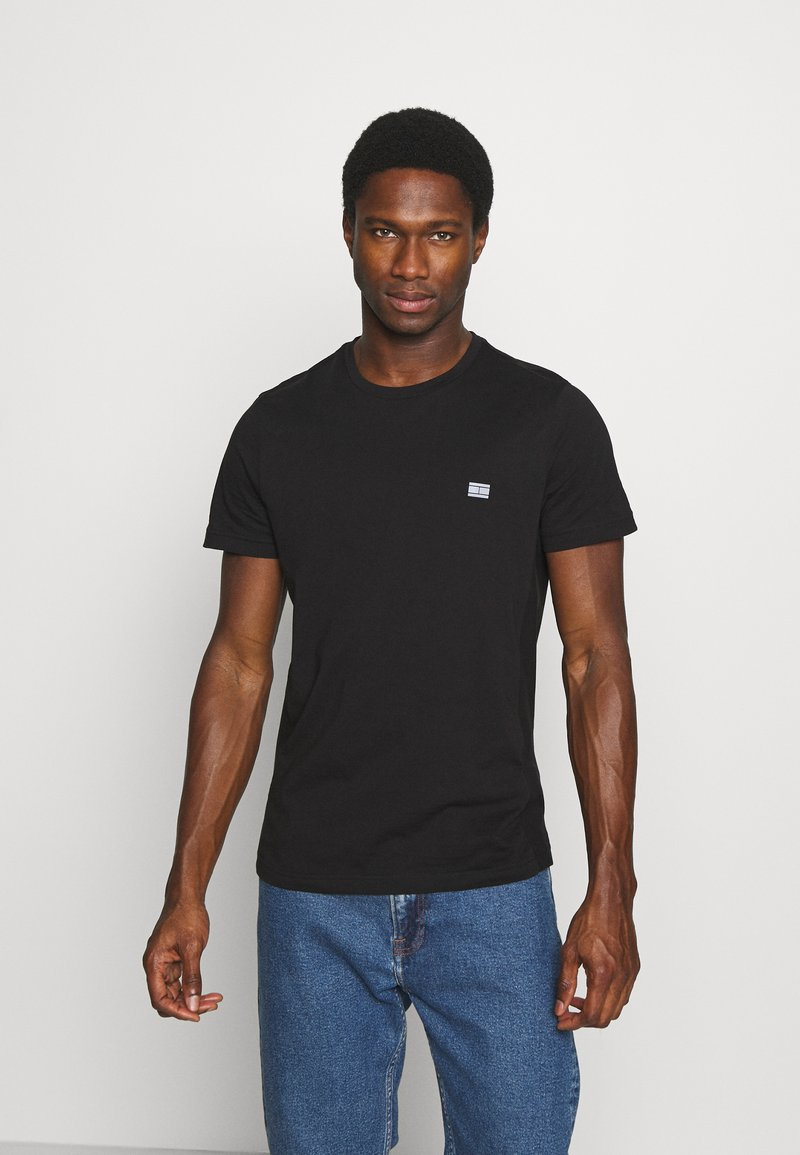 Tommy Hilfiger - MODERN ESSENTIALS PANELED TEE - T-shirt - bas - black
