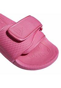 adidas Originals - ADIDAS ORIGINALS  X PHARRELL WILLIAMS BOOST SLIDES - Pool slides -  pink - 6