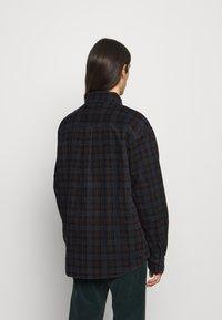 Carhartt WIP - FLINT SHIRT - Overhemd - Tobacco - 3
