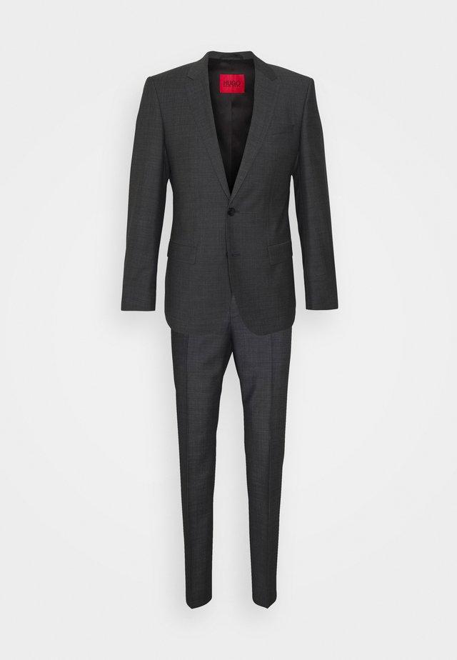 HENRY GETLIN SET - Costume - charcoal