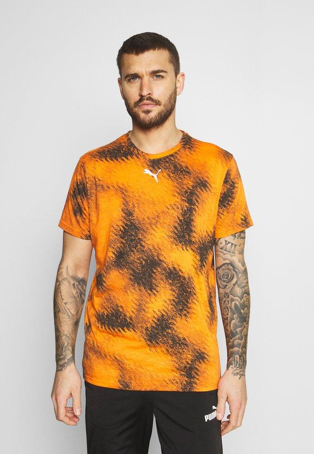 LOGO TEE - T-shirt con stampa - carrot