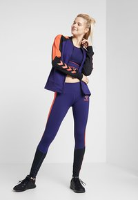 Hummel - HMLSPICY ZIP JACKET - Training jacket - astral aura - 1