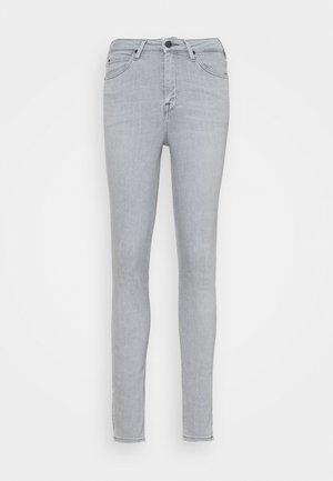 SCARLETT HIGH - Jeans Skinny Fit - light grey