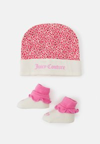 Juicy Couture - BABY LEOPARD HAT & BOOTIE SET - Muts - wild orchid - 0