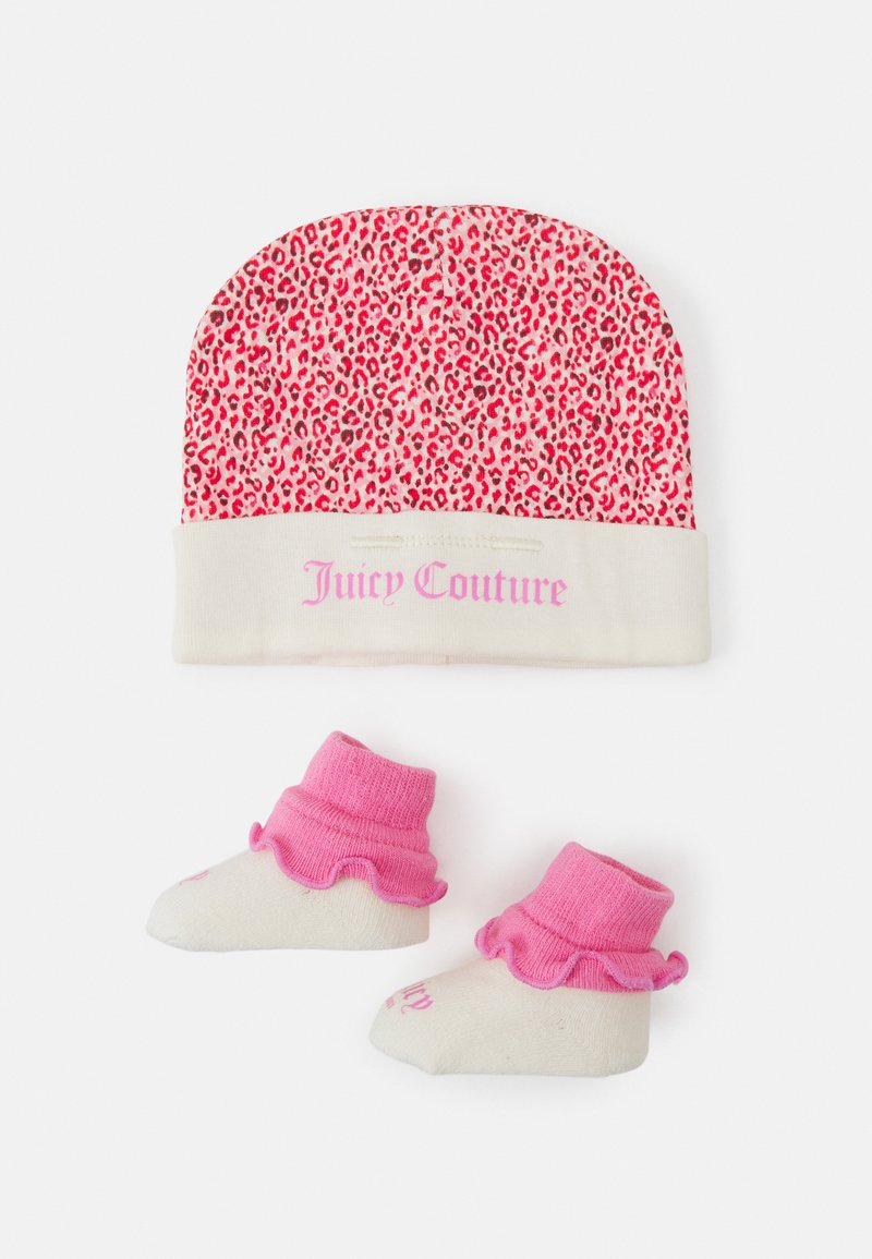 Juicy Couture - BABY LEOPARD HAT & BOOTIE SET - Muts - wild orchid