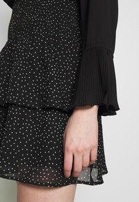 ONLY - ONLBEATRICE  LIFELAYERED SHORT SKIR - A-line skjørt - black/white - 4