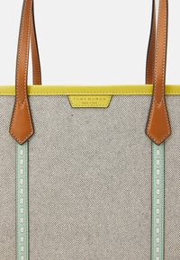 Tory Burch - PERRY TRIPLE COMPARTMENT TOTE - Velká kabelka - natural/tory navy - 6