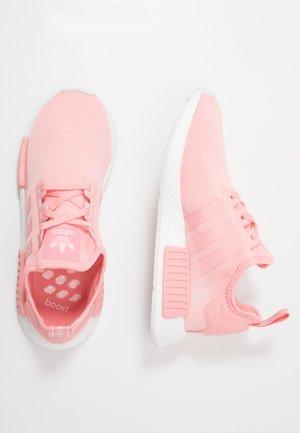 NMD_R1 - Sneakersy niskie - glow pink/footwear white