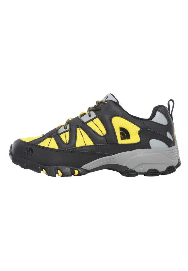 M STEEP TECH FIRE ROAD - Sneakersy niskie - tnf black/lightning yelow