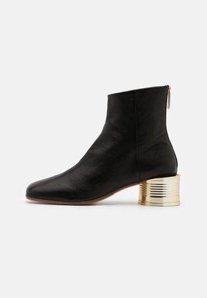GINA NUOVO CALZINO - Kotníkové boty - black