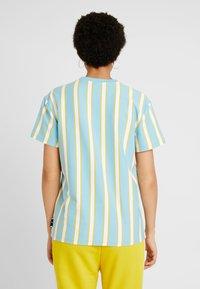 Puma - DOWNTOWN STRIPE TEE - Print T-shirt - milky blue - 2