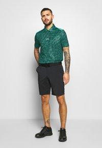 Oakley - BROKEN GLASS - Polo shirt - green - 1