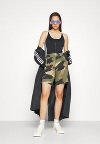 adidas Originals - ADICOLOR - Top - black - 4