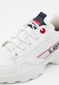 Levi's® - SOHO - Trainers - white/navy/red