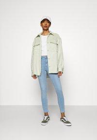 Gina Tricot - HIGHWAIST - Jeans Skinny Fit - sky blue - 1