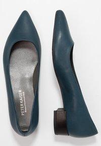 Peter Kaiser - DRINA - Classic heels - lake/schwarz evenly - 3