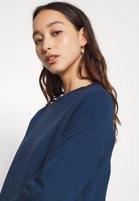 Zign - Slit Sides Oversized Sweatshirt - Sweatshirt - dark blue - 5