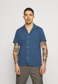 Far Afield - STACHIO SHIRT TEXTURED STRIPE - Shirt - ensign blue - 0