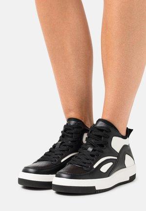 VEGAN TRAECLYA - High-top trainers - black/white