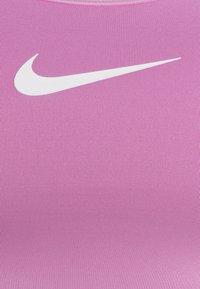 Nike Performance - BRA - Sujetadores deportivos con sujeción media - beyond pink - 2