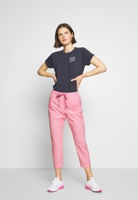 Marc O'Polo - RYGGE - Trousers - sunlit coral - 1