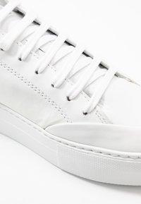 Nubikk - JOLIE NAYA - Sneakers basse - white/gold - 2