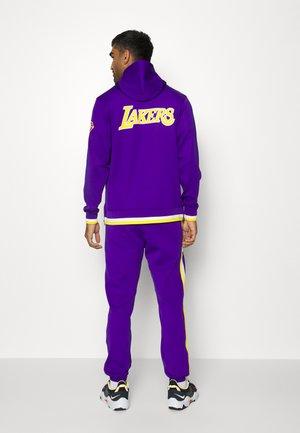 NBA LOS ANGELES LAKERS SHOWTIME PANT - Klubbklær - field purple/amarillo/white
