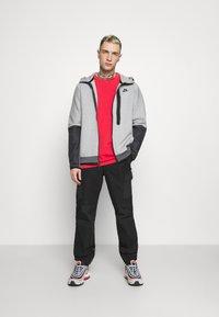 Nike Sportswear - HOODE MIX - Tröja med dragkedja - dark grey heather/iron grey/black - 1