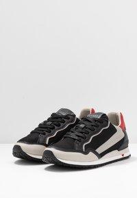 Guess - A$AP ROCKY - Sneakers - black/grey - 2