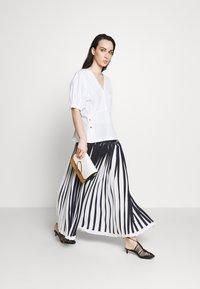 3.1 Phillip Lim - KNIFE PLEATED SKIRT - Maxi skirt - black/white - 1